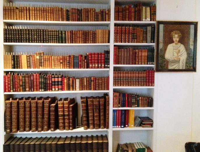 Livres anciens, reliés en cuir.